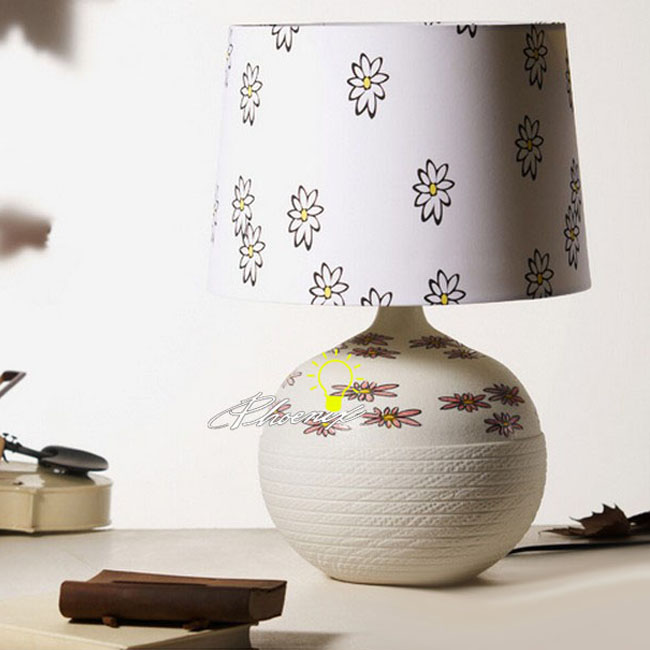 Ceramic and Fabric Table Lamp 8802